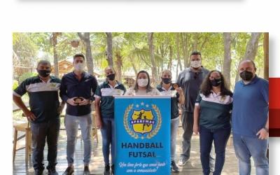 FEDERAÇÃO MINEIRA DE HANDEBOL VISITA MUNICÍPIO DE MARTINHO CAMPOS E APAHFMAC ATRAVÉS DO PROJETO FMH NA ESTRADA